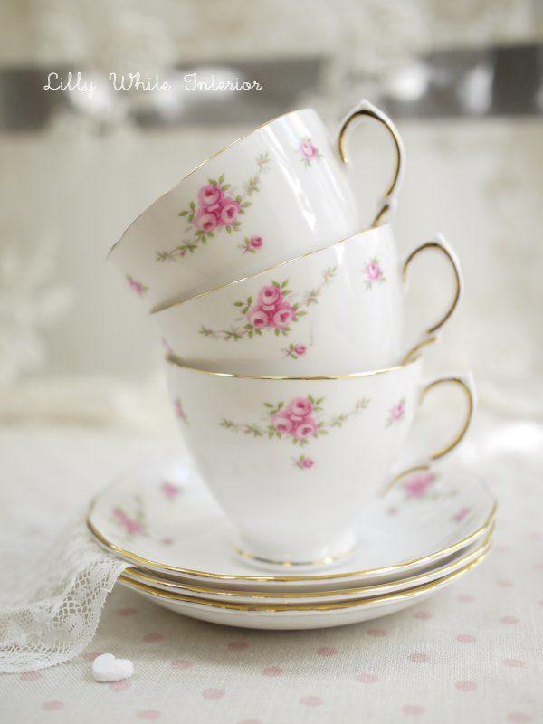 Royal Osborne ロイヤルオズボーン ミニ薔薇のガーランド カップ&ソーサー プレートのトリオ