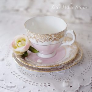 Royal Stuart ロイヤルスチュアート シュガーピンクとお花のヴィンテージトリオ